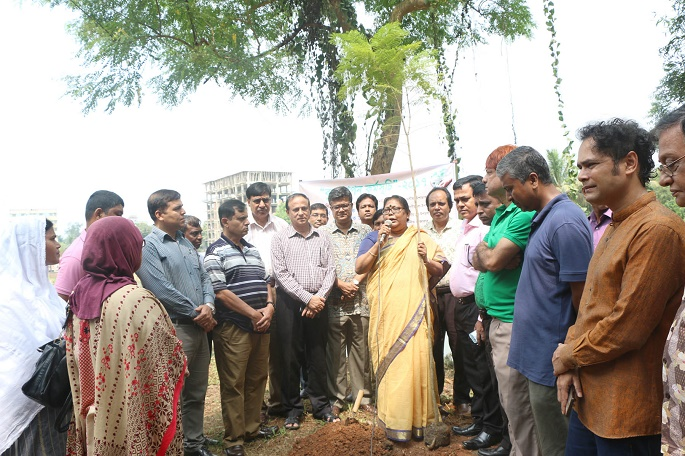 জাহাঙ্গীরনগর বিশ্ববিদ্যালয়: সবুজ ক্যাম্পাসের লক্ষ্যে বৃক্ষরোপণ কর্মসূচির উদ্বোধন