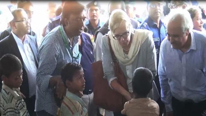 বাংলাদেশের ভূমিকার প্রসংসা করে রোহিঙ্গাদের ফিরিয়ে নিতে আহ্বান ৪০ দেশের কূটনীতিকদের